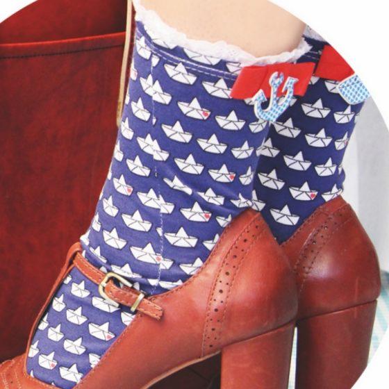 Socken Schnittmuster kostenlos Söckchen mit Spitze Sockenliebe Cherry Picking Damen Frauen gratis Freebie Freebook nähen Nähideen Ideen