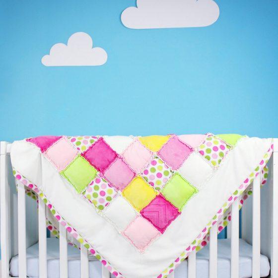 rag puff quilt Patchworkdecke nähen kostenloses Schnittmuster Babydecke Krabeldecke Spieldecke