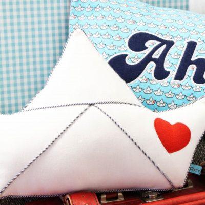 Loveboat-Kissen Kissen kostenloses Schnittmuster Motivkissen maritimes Kissen nähen Gratis-Nähanleitung Boot Kissen