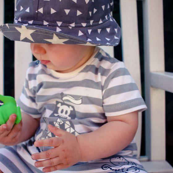 Sommerhut Happy Sonnenhut Kinderhut Kopfbedeckung für Kinder Hut für Babies kostenlose Schnittmuster Gratis-Nähanleitung