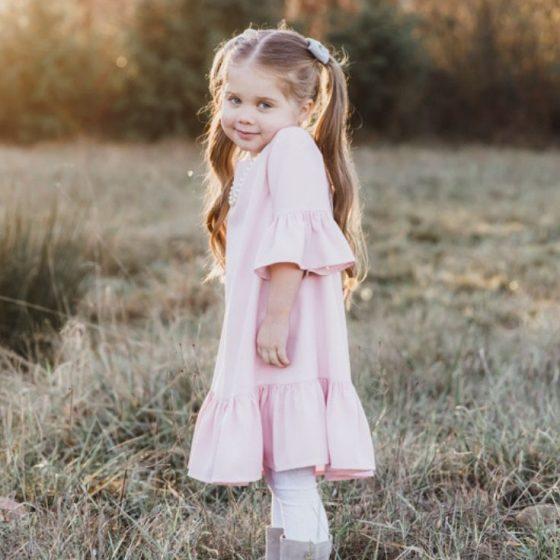 Girls Ruffle Dress Kinderkleid Rüschenkleid kostenlose Schnittmuster Gratis-Nähanleitung