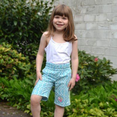 Sommershorts Kinder Sommerhose Kinder kurze Hose Shorts kostenlose Schnittmuster Gratis-Nähanleitung