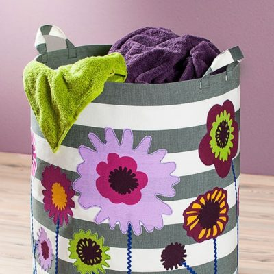 Wäschekorb Summertime mit Blumen Nähen für Zuhause Wäschesack kostenloses Schnittmuster Gratis-Nähanleitung