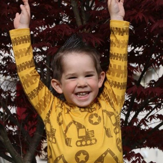 Jersey Shirt Kinder Longsleeve Langarmshirt Kinderpullover kostenlose Schnittmuster Gratis-Nähanleitung