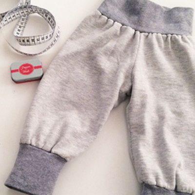 Lausekind Pumphose Jerseyhose Kinderhose Babyhose Nähen für Kinder kostenlose Schnittmuster Gratis-Nähanleitung
