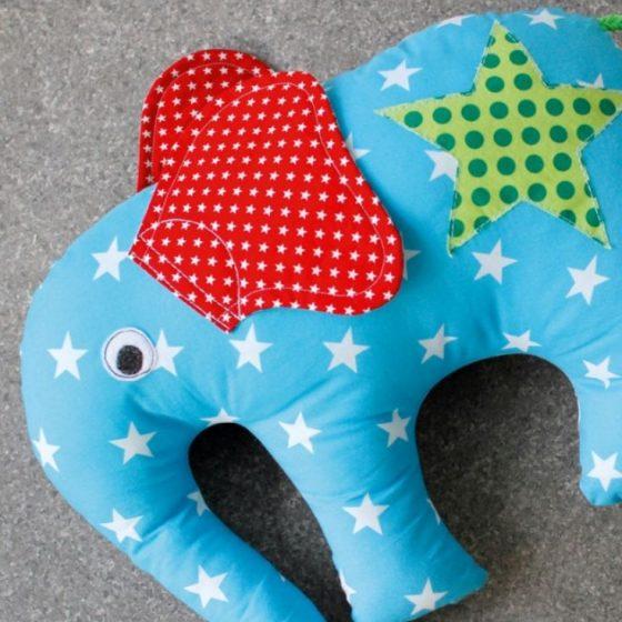 Sitzkissen Elefantenkissen Bodenkissen Kissen Kinderzimmer kostenlose Schnittmuster Gratis-Nähanleitung