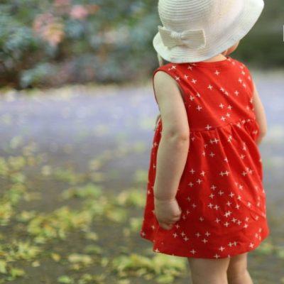 Sommerteilchen Sommerkleidchen Mädchenkleid Sommerkleid Jerseykleid Sommer kostenlose Schnittmuster Gratis-Nähanleitung