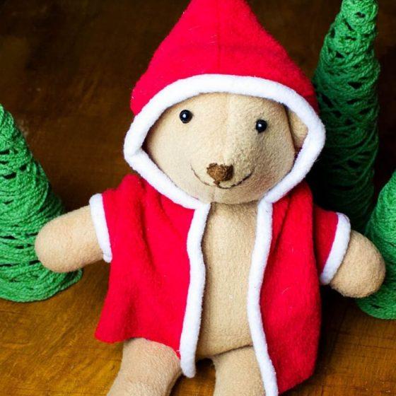 Weihnachtsbär Teddybär Kuscheltier Nähen für Weihachten kostenlose Schnittmuster Gratis-Nähanleitung