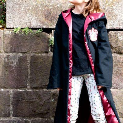 Zauberermantel Cape Kostüm Verkleidung Nähen für Kinder kostenlose Schnittmuster Gratis-Nähanleitung