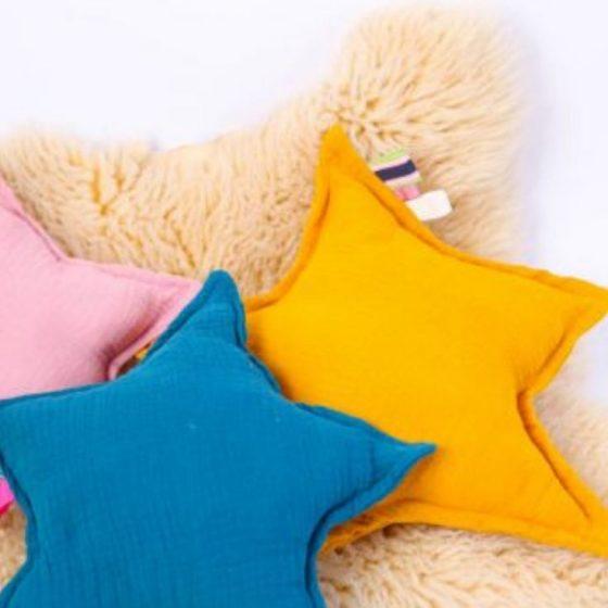 Sternkuschelkissen Musselinkissen Kissen für Babies Erstauststattung Nähen fürs Baby kostenlose Schnittmuster Gratis-Nähanleitung