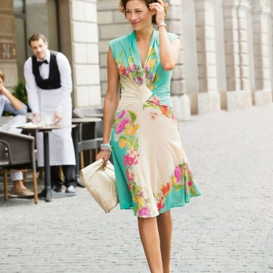 Elegantes Sommerkleid Damenkleid Damenmode Sommermode kostenlose Schnittmuster Gratis-Nähanleitung