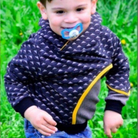 Räubärhoodie Kinderpullover Kapuzenpullover Nähen für Kinder kostenlose Schnittmuster Gratis-Nähanleitung