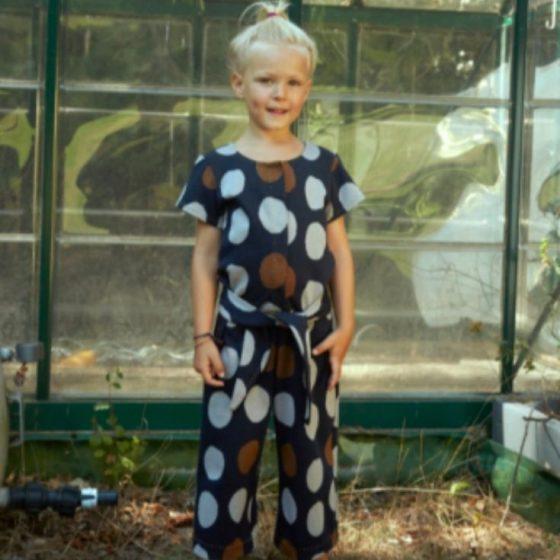 Jumpsuit Betta Kinderjumpsuit Naehen fuer Kinder Kinderkleidung Overall kostenlose Schnittmuster Gratis-Naehanleitung