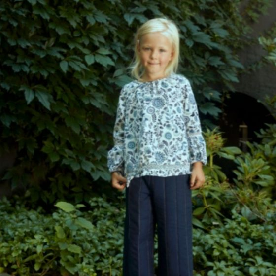 Kinderhose Bertine weite Hose Marlenehose Nähen für Kinder Kleindkind kostenlose Schnittmuster Gratis-Nähanleitung