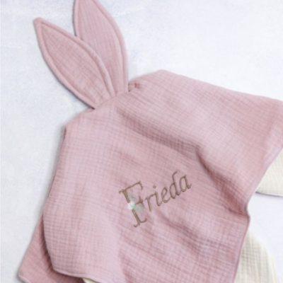 Hasentuch Schnuffeltuch kuscheltuch baby erstaustattung geschenke zur geburt kostenlose schnittmuster gratis naehanleitung